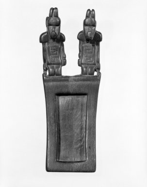 Tiwanaku. Tray for Hallucinogenic Snuff, 400-1000. Wood, 2 1/2 x 1 11/16 x 6 1/2 in. (6.4 x 4.3 x 16.5 cm). Brooklyn Museum, Designated Purchase Fund, 74.176. Creative Commons-BY