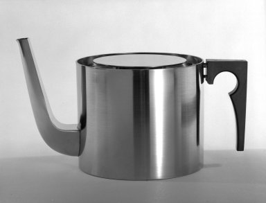 Arne Jacobsen. Teapot and Lid, ca. 1970. Brushed stainless steel, 5 5/16 x 5 1/8 x 5 1/8 in. (13.5 x 13 x 13 cm). Brooklyn Museum, Gift of Bonniers, Incorporated, 74.192.8a-b. Creative Commons-BY
