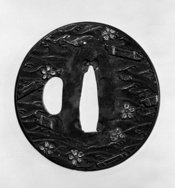 Tsuba (Sword Guard), late 16th-early 17th century. Yamagane, copper, 2 5/16 in. (5.9 cm). Brooklyn Museum, Gift of Leighton R. Longhi, 74.202.16. Creative Commons-BY