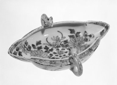 Sauceboat, ca. 1700-1725. Porcelain, 2 3/8 x 8 3/8 x 7 in. (6 x 21.3 x 17.8 cm). Brooklyn Museum, 75.111.1. Creative Commons-BY