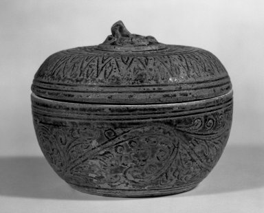 Sawankhalok Covered Box with Cover, 14th century. Stoneware, clay, 3 1/4 x 4 in. (8.3 x 10.2 cm). Brooklyn Museum, Designated Purchase Fund, 75.32.1a-b. Creative Commons-BY