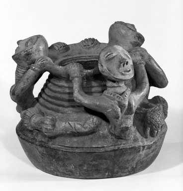 Akan. Urn, late 19th or early 20th century. Terracotta, 10 1/2 x 11 in. (26.7 x 28.0 cm). Brooklyn Museum, Gift of Marcia and John Friede, 75.82.1. Creative Commons-BY