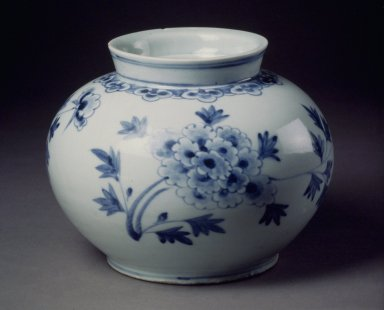 Jar, last half of 19th century. Porcelain with under glaze cobalt painted decoration, Height: 5 15/16 in. (15.1 cm). Brooklyn Museum, Designated Purchase Fund, 76.119. Creative Commons-BY