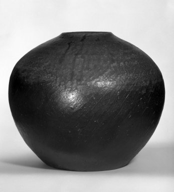 Konishi Tozo (Japanese, born 1947). Jar, ca. 1975. Bizen Ware, 3 1/2 x 3 3/8 in. (8.9 x 8.6 cm). Brooklyn Museum, Purchased with funds given by Mary Livingston Griggs and Mary Griggs Burke Foundation, 76.12. Creative Commons-BY
