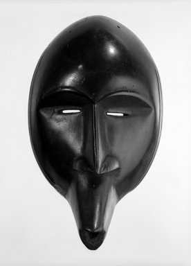 Toura. Mask, late 19th-early 20th century. Wood, 10 5/8 x 6 1/4 in. (27 x 15.9 cm). Brooklyn Museum, Gift of Marcia and John Friede, 76.20.7. Creative Commons-BY