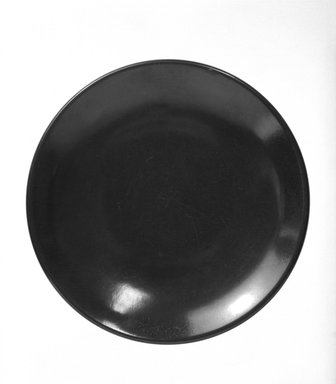Russel Wright (American, 1904-1976). Plate, ca. 1950. Melamine (plastic), 7 5/8 in. (19.4 cm). Brooklyn Museum, Gift of Russel Wright, 76.99.15. Creative Commons-BY