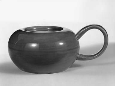 Russel Wright (American, 1904-1976). Sugar Bowl, designed 1937 - ca. 1938. Glazed earthenware, 2 3/4 in. (7 cm). Brooklyn Museum, Gift of Russel Wright, 76.99.25. Creative Commons-BY