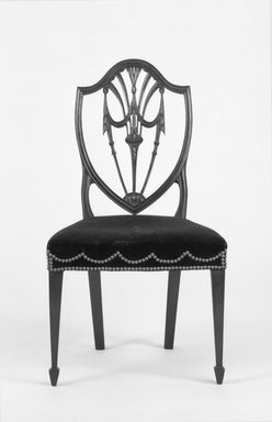 Side Chair, ca. 1800. Hepplewhite mahogany, 38 3/4 x 21 3/4 x 17 1/2 in. (98.4 x 55.2 x 44.5 cm). Brooklyn Museum, H. Randolph Lever Fund, 77.48.3. Creative Commons-BY