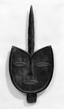 Keaka. Staff with Large Bird Face, early 20th century. Wood, pigment, 27 x 12 3/4 x 3 1/4 in. (68.5 x 32.3 x 8.2 cm). Brooklyn Museum, Gift of Mr. and Mrs. J. Gordon Douglas III, 78.115.2. Creative Commons-BY