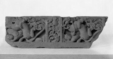 Architectural Relief, 6th-7th Century C.E. Red Sandstone, 22 1/4 x 7 in. (56.5 x 17.8 cm). Brooklyn Museum, Gift of Georgia and Michael de Havenon, 78.195.2. Creative Commons-BY