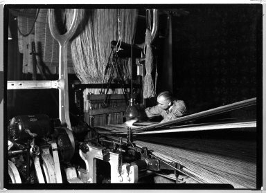 Lewis Wickes Hine (American, 1874-1940). [Untitled] (Carpet Making), 1936-1937. Gelatin silver photograph, 4 3/4 x 7 1/4 in.  (12.1 x 18.4 cm). Brooklyn Museum, Gift of the National Archives, 79.143.47