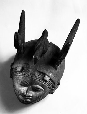 Yoruba. Headdress (Ere Gelede), late 19th or early 20th century. Wood, pigment, h: 9 1/4 in. (23.5 cm). Brooklyn Museum, Gift of Dr. and Mrs. Abbott A. Lippman, 79.161.1. Creative Commons-BY