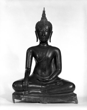 Seated Buddha, 14th-15th century. Bronze with traces of pigment, height: 15 1/2 in. (39.4 cm). Brooklyn Museum, Anonymous gift, 79.185. Creative Commons-BY
