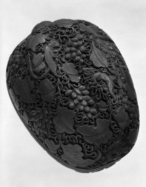 Box, 1736-1795. Carved cinnabar lacquer, 2 7/8 x 5 1/2 in. (7.3 x 14 cm). Brooklyn Museum, Gift of Dr. Andrew Cole, 79.252.2. Creative Commons-BY