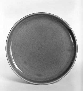 Russel Wright (American, 1904-1976). Plate, from 6-Piece Place Setting, Designed 1937; Manufactured ca. 1938. Earthenware, Diameter: 8 in. (20.3 cm). Brooklyn Museum, Gift of Andrew and Ina Feuerstein, 80.169.3. Creative Commons-BY
