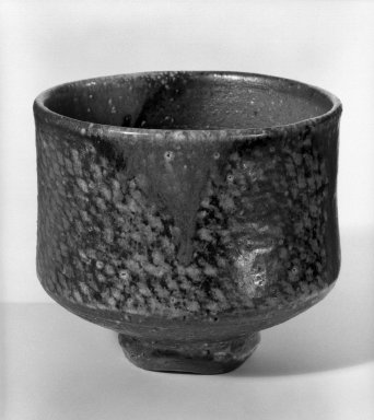 Shimaoka Tatsuzo (Japanese, born 1919). Tea Bowl, ca. 1970. Shigaraki, 3 7/8 x 4 3/8 in. (9.8 x 11.1 cm). Brooklyn Museum, Gift of Sidney B. Cardozo, Jr., 80.175.2. Creative Commons-BY