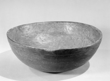 American. Bowl, 18th century. Burled wood, 4 5/8 x 12 3/4 in. (11.7 x 32.4 cm). Brooklyn Museum, Gift of Allison C. Paulsen in memory of Arthur W. Clement, 80.248.5. Creative Commons-BY