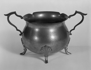 Sugar Bowl, ca. 1930. Pewter, 2 3/4 x 5 x 2 5/8 in. (7.0 x 12.7 x 6.7 cm). Brooklyn Museum, Gift of Fred Tannery, 82.112.14. Creative Commons-BY