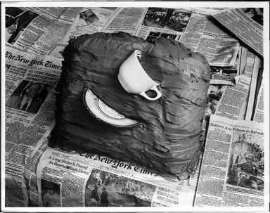 Zeke Berman (American, born 1951). Current Events Series, Wrenched Cup A, 1981. Gelatin silver photograph, image: 10 1/2 x 13 1/2 in. (26.7 x 34.3 cm). Brooklyn Museum, Gift of the artist, 82.136.1. © Zeke Berman