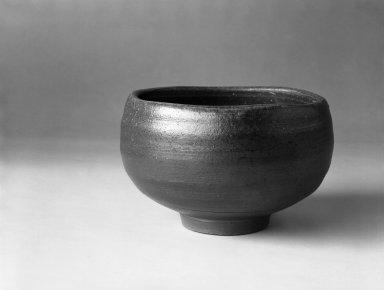 Yamashita Joji (Japanese). Tea Bowl, 1980. Stoneware, Bizen ware, 3 1/4 x 5 1/4 in. (8.3 x 13.3 cm). Brooklyn Museum, Gift of Robert S. Anderson, 82.171.5. Creative Commons-BY