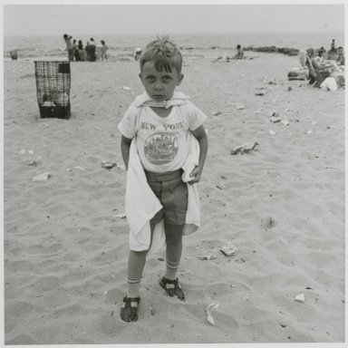 "Stephen Salmieri (American, born 1945). ""Coney Island,"" 1972. Gelatin silver photograph Brooklyn Museum, Gift of Edward Klein, 82.201.11. © Stephen Salmieri"