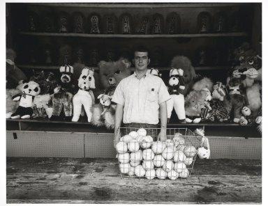 "Stephen Salmieri (American, born 1945). ""Coney Island,"" 1969. Gelatin silver photograph Brooklyn Museum, Gift of Edward Klein, 82.201.17. © Stephen Salmieri"