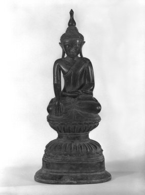 Buddha, 17th century. Bronze, 16 1/2 x 7 in. (41.9 x 17.8 cm). Brooklyn Museum, Gift of Dr. and Mrs. Malcolm Idelson, 82.240.5. Creative Commons-BY