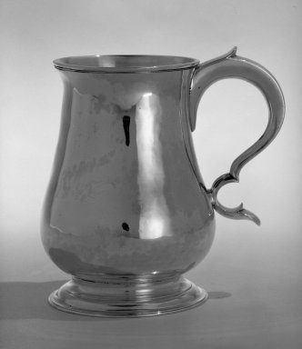Philip Syng Jr.. Cann, ca. 1750-1775. Silver, height: 5 5/16 in. (14.3 cm); diameter of lip: 3 5/16 in.  (8.4 cm); diameter of base: 3 5/8 in. ( 9.2 cm) . Brooklyn Museum, Gift of Wunsch Foundation, Inc., 82.243.1. Creative Commons-BY
