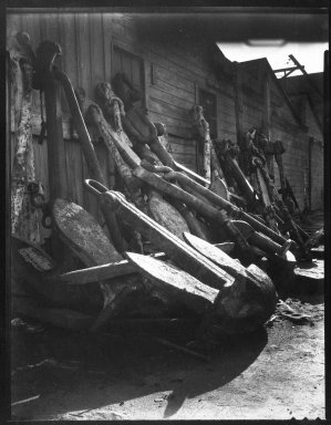 Consuelo Kanaga (American, 1894-1978). [Untitled]. Negative , 6 1/4 x 8 1/4 in. (15.9 x 21 cm). Brooklyn Museum, Gift of Wallace B. Putnam from the Estate of Consuelo Kanaga, 82.65.2001
