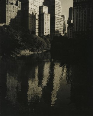 Consuelo Kanaga (American, 1894-1978). [Untitled] (Central Park). Gelatin silver photograph, 4 3/4 x 3 3/4 in. (12.1 x 9.5 cm). Brooklyn Museum, Gift of Wallace B. Putnam from the Estate of Consuelo Kanaga, 82.65.216