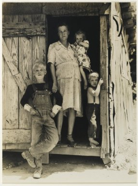 Consuelo Kanaga (American, 1894-1978). [Untitled] (Farm Family), 1930s. Toned gelatin silver photograph, Image: 9 1/8 x 6 7/8 in. (23.2 x 17.5 cm). Brooklyn Museum, Gift of Wallace B. Putnam from the Estate of Consuelo Kanaga, 82.65.451