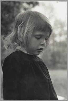 Consuelo Kanaga (American, 1894-1978). [Untitled] (Kate Maxwell). Gelatin silver photograph, 9 3/4 x 6 5/8 in. (24.8 x 16.8 cm). Brooklyn Museum, Gift of Wallace B. Putnam from the Estate of Consuelo Kanaga, 82.65.48