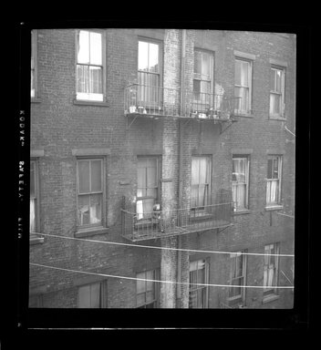 Consuelo Kanaga (American, 1894-1978). [Untitled]. Negative, 2 1/4 x 2 1/4 in. (5.7 x 5.7 cm). Brooklyn Museum, Gift of Wallace B. Putnam from the Estate of Consuelo Kanaga, 82.65.636