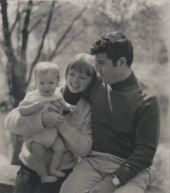 Consuelo Kanaga (American, 1894-1978). [Untitled] (Feldman Family). Gelatin silver photograph, 6 1/2 x 5 7/8 in. (16.5 x 14.9 cm). Brooklyn Museum, Gift of Wallace B. Putnam from the Estate of Consuelo Kanaga, 82.65.70