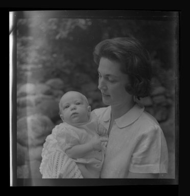 Consuelo Kanaga (American, 1894-1978). [Untitled]. Negative, 3 1/8 x 4 1/4 in. (7.9 x 10.8 cm). Brooklyn Museum, Gift of Wallace B. Putnam from the Estate of Consuelo Kanaga, 82.65.759