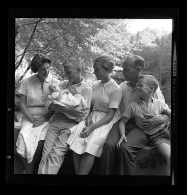 Consuelo Kanaga (American, 1894-1978). [Untitled]. Negative, 3 1/8 x 4 1/4 in. (7.9 x 10.8 cm). Brooklyn Museum, Gift of Wallace B. Putnam from the Estate of Consuelo Kanaga, 82.65.760