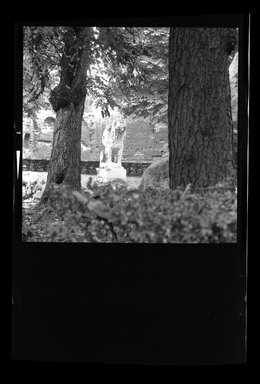 Consuelo Kanaga (American, 1894-1978). [Untitled]. Negative, 2 1/4 x 2 1/4 in. (5.7 x 5.7 cm). Brooklyn Museum, Gift of Wallace B. Putnam from the Estate of Consuelo Kanaga, 82.65.811
