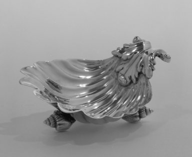 Daniel You (active 1743-1750). Dish for Butter or Salt, ca. 1750. Silver, 1 5/8 x 4 3/8 x 3 5/16 in. (4.1 x 11.1 x 8.4 cm). Brooklyn Museum, 82.71. Creative Commons-BY