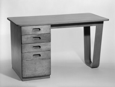 Marcel Breuer. Desk, 1938. Birch plywood and solid wood, 29 1/16 x 50 x 24 5/8 in. (73.8 x 127 x 62.5 cm). Brooklyn Museum, Gift of Bryn Mawr College, 83.1.2. Creative Commons-BY