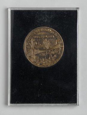 Brooklyn Bridge Centennial Medal, 1983. Metal, cloth, cardboard, plexiglass, Case: 3 3/4 x 2 3/4 in. (9.5 x 7 cm). Brooklyn Museum, Ella C. Woodward Memorial Fund, 83.126.4. Creative Commons-BY