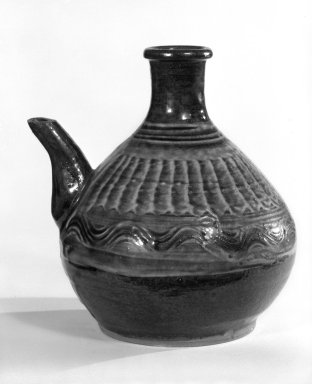 Sake Ewer, ca. 1960. Stoneware, Onda ware, 7 x 5 1/2 in. (17.8 x 14 cm). Brooklyn Museum, Gift of Mr. and Mrs. Richard Sneider, 83.173.11. Creative Commons-BY