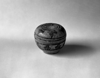 Sawankhalok Miniature Covered Box, 14th century. Stoneware, 1 1/2 x 1 3/4 in. (3.8 x 4.4 cm). Brooklyn Museum, Gift of Dr. Joel Canter, 83.181.9. Creative Commons-BY