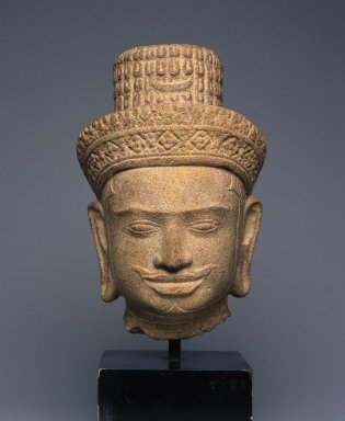 Head of Shiva, first quarter of 10th century. Sandstone, 7 1/16 x 4 3/4 x 4 1/8 in. (18 x 12 x 10.5 cm). Brooklyn Museum, Gift of Mr. and Mrs. Michael de Havenon, 83.182.5. Creative Commons-BY