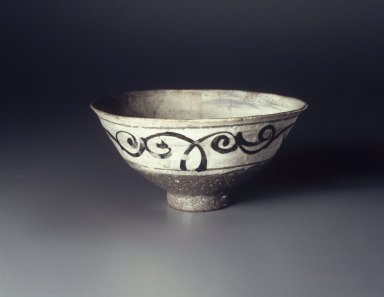 Bowl, last half of 15th-first half of 16th century. Buncheong ware, stoneware with underglaze white slip and iron-painted decoration, Height: 3 3/8 in. (8.5 cm). Brooklyn Museum, Anonymous gift, 83.32.5. Creative Commons-BY