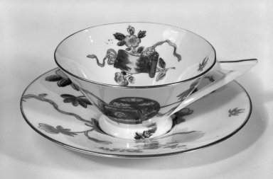 George Jones & Sons Ltd. (1861-1951). Tea Cup and Saucer, ca. 1876. Porcelain, 1 3/4 x 4 1/2 x 3 5/8 in. (4.4 x 11.4 x 9.2 cm). Brooklyn Museum, Designated Purchase Fund, 84.128a-b. Creative Commons-BY