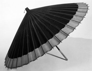 Bangasa (Oiled Paper Umbrella), ca. 1900. oiled paper, L: 30 3/4 in. (78.1 cm). Brooklyn Museum, Gift of Dr. and Mrs. Charles Perera, 84.141.14