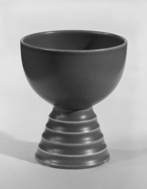 Keith Murray (English, born New Zealand, 1892-1981). Footed Cup, ca. 1933-1936. Glazed earthenware, Other: 3 x 2 5/8 in. (7.6 x 6.7 cm). Brooklyn Museum, Gift of Paul F. Walter, 84.178.7. Creative Commons-BY