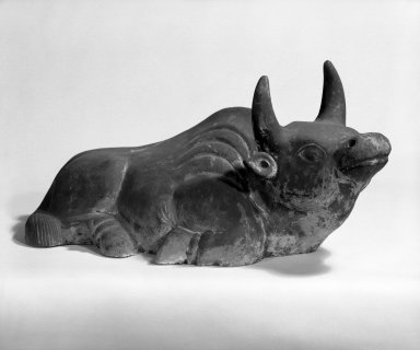 Ox, 19th century. Polychromed gray pottery, 9 1/4 x 20 1/2 in. (23.5 x 52.1 cm). Brooklyn Museum, Gift of Dr. Harvey Lederman, 84.194.3. Creative Commons-BY
