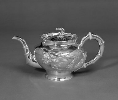 Lianchang. Export Teapot and Sugar Bowl, early 20th century. Silver, 5 1/4 x 10 1/2 in. (13.3 x 26.7 cm). Brooklyn Museum, Gift of Stanley J. Love, 84.195.22. Creative Commons-BY