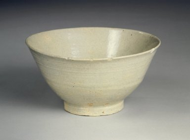 Bowl, 17th century. Porcelain, glaze, Height: 3 1/2 in. (8.9 cm). Brooklyn Museum, Gift of Dr. Kenneth Rosenbaum, 84.203.12. Creative Commons-BY